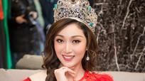 Hoa hậu Trái đất 2017 diện đầm mỏng dưới trời Hà Nội 10 độ C