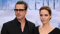 Angelina Jolie chỉ trích Brad Pitt để lộ giấy tờ tòa án