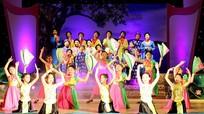 Hàng trăm học sinh Nghệ An thi tài hát dân ca