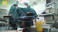 Nữ bác sĩ bị gãy chân vẫn tham gia ca phẫu thuật dài 5 tiếng