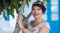 Người phụ nữ gốc Việt tự cưới mình sau khi bị hôn phu bỏ rơi