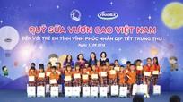 """Quỹ sữa """"Vươn cao Việt Nam"""" đến với trẻ em nghèo Vĩnh Phúc"""