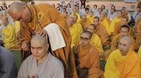 Diễn viên hài Lê Dương Bảo Lâm bất ngờ xuống tóc ở Ấn Độ