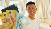 Con gái Thủy Tiên xin tiền mẹ cho ba Công Vinh