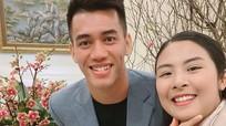 Hoa hậu Ngọc Hân khoe ảnh ăn tất niên cùng cầu thủ Tiến Linh