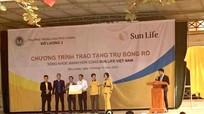 Sun Life Việt Nam trao tặng 102 trụ bóng rổ cho trường học
