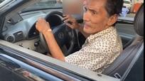 Thương Tín tập lái xe ô tô sau khi được tặng