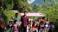 Học sinh vùng biên xứ Nghệ háo hức trong ngày đầu tựu trường