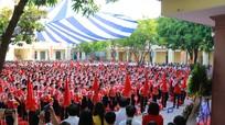 Bí thư Đảng ủy Khối CCQ tỉnh dự lễ khai giảng tại Trường THCS Hà Huy Tập