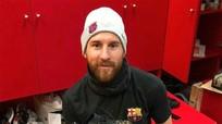 Messi được tặng đôi giày mang câu chuyện cuộc đời và sự nghiệp