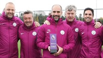 HLV Guardiola lập thêm kỷ lục ở Premier League