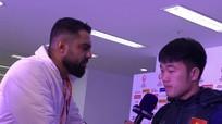 """Xuân Trường trổ tài nói tiếng Anh """"như gió"""" trên kênh beIN Sports"""