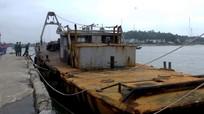Phát hiện sà lan dùng xây công trình trên biển nghi của Trung Quốc