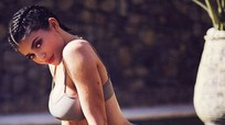 Cách biến thể tư thế yoga để có thân hình đồng hồ cát