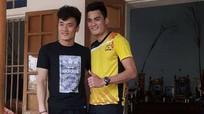 Đình Trọng thành đồng đội Quang Hải, thủ môn Tiến Dũng hóa VĐV bóng chuyền