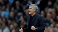 """Mourinho nói gì khiến MU chơi """"lên đồng"""" ở hiệp hai?"""