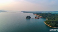 Phát hiện thi thể người phụ nữ nổi trên hồ Kẻ Gỗ