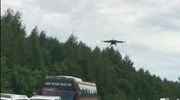 Máy bay chiến đấu Nga bất ngờ hạ cánh xuống đường cao tốc sát biên giới với Trung Quốc