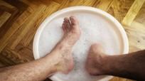 Mẹo khử mùi hôi chân và ngăn ngừa tái phát ở nam giới