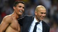 Zidane và Ronaldo cùng về MU; Busquets gia hạn với Barca tới 2023