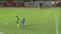 Xem lại sai lầm tai hại của Bùi Tiến Dũng khiến FLC Thanh Hóa dâng Cup cho Bình Dương