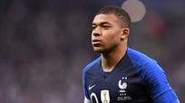 C.Ronaldo được vinh danh; Mbappe bị loại khỏi cuộc đua Cậu bé Vàng