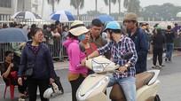 """Vé """"chợ đen"""" trận Việt Nam vs Philippines giảm mạnh sau khi 11 phe vé bị bắt giữ"""