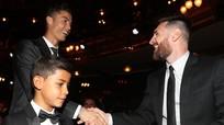 Messi sắp đoàn tụ CR7; Salah lần thứ 2 giành giải cầu thủ châu Phi hay nhất