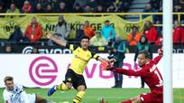 Thần đồng bóng đá Anh, Pogba và HLV Solskjaer xác lập kỷ lục cá nhân