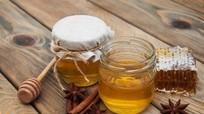 Điều kỳ diệu gì xảy ra với cơ thể nếu bạn ăn mật ong trước khi đi ngủ?
