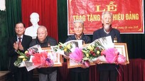 Thanh Chương trao Huy hiệu Đảng cho 22 đảng viên