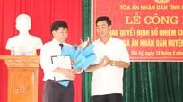 Trao Quyết định bổ nhiệm Chánh án Tòa án nhân dân huyện Tân Kỳ