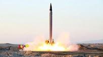 Iran cảnh báo dùng tên lửa tiêu diệt tàu sân bay Mỹ