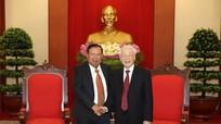 Tổng Bí thư Nguyễn Phú Trọng tiếp đón Chủ tịch nước CHDCND Lào