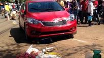 Ôtô 5 chỗ tông liên hoàn, ba người bị nạn