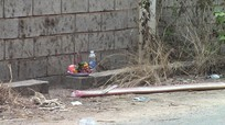 Phát hiện nam sinh 16 tuổi chết dưới mương nước