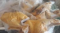 Bắt vụ vận chuyển thịt gà đông lạnh bốc mùi hôi trên Quốc lộ 1A
