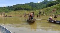 Người đàn ông rơi xuống nước tử vong khi đi kiểm tra lồng cá trên hồ thủy điện ở Nghệ An