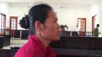 Người vợ ngậm ngùi đến tòa 'tiễn' chồng vào tù sau 8 ngày chung sống