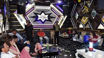 Nhiều 'nam thanh nữ tú' bay lắc cùng ma túy trong phòng VIP karaoke