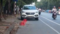 Vẫn còn tình trạng người dân đặt cả dãy ghế bên đường để cản xe hơi dừng,đậu