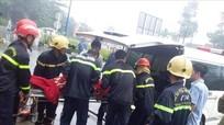 Tai nạn xe khách, 39 hành khách kẹt cứng trong xe