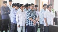 Chủ tịch huyện và 15 đồng phạm lãnh án tù do sai phạm đền bù đất