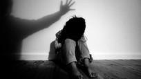 Bé gái 7 tuổi bị hàng xóm xâm hại trong rừng keo