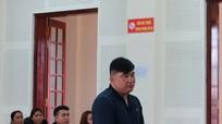 Gã đàn ông ở Nghệ An mang can xăng 10 lít về đốt nhà người tình