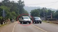 Nam thanh niên cướp ôtô, đánh cảnh sát để trốn cách ly