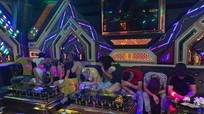 20 dân chơi bay lắc trong phòng hát karaoke