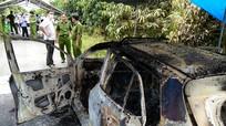 Phát hiện thi thể tài xế trong xe taxi cháy rụi