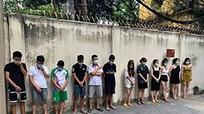 42 nam, nữ tụ tập bay lắc trong karaoke  giữa mùa dịch