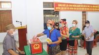 Hàng nghìn cử tri miền Trà Lân náo nức đi bỏ phiếu